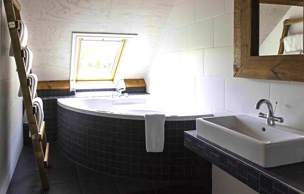 Badkamer Met Whirlpool : Ontspan in een b b met whirlpool en sauna bed and breakfast